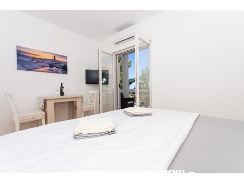 Apartments Helvetia - Omiš Croatia