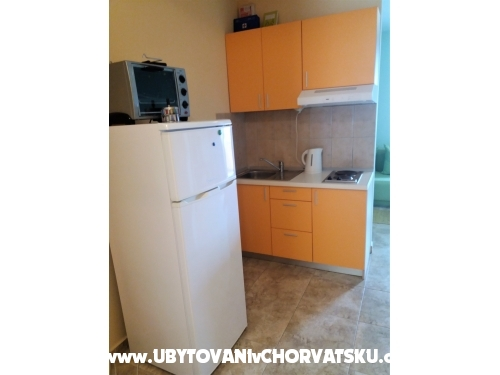 Apartments Kristina - Omi� Croatia