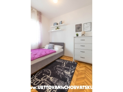 Appartamenti Mara - Omiš Croazia