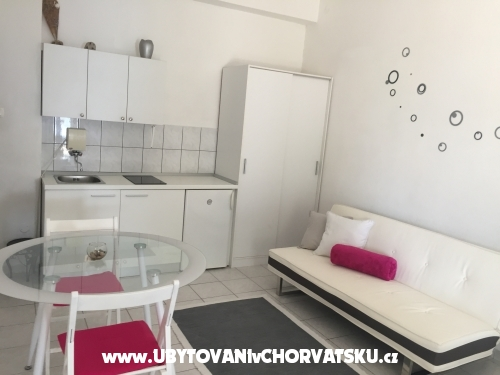 Apartments Milka i Jozo - Omi� Croatia