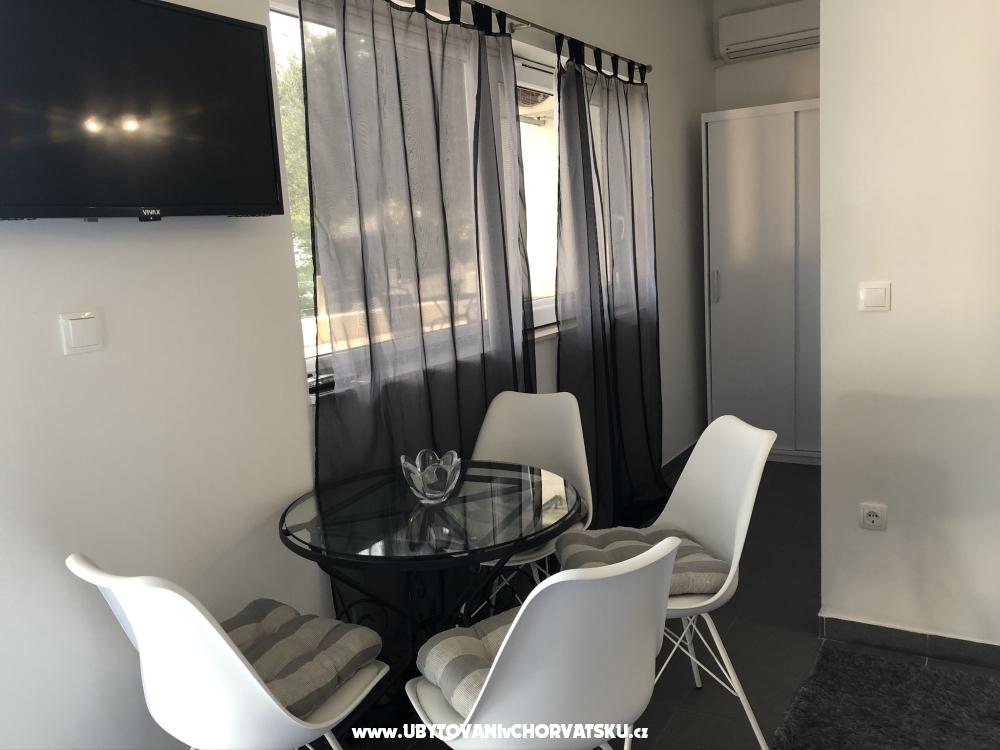 Apartmani Milka i Jozo - Omi� Hrvatska