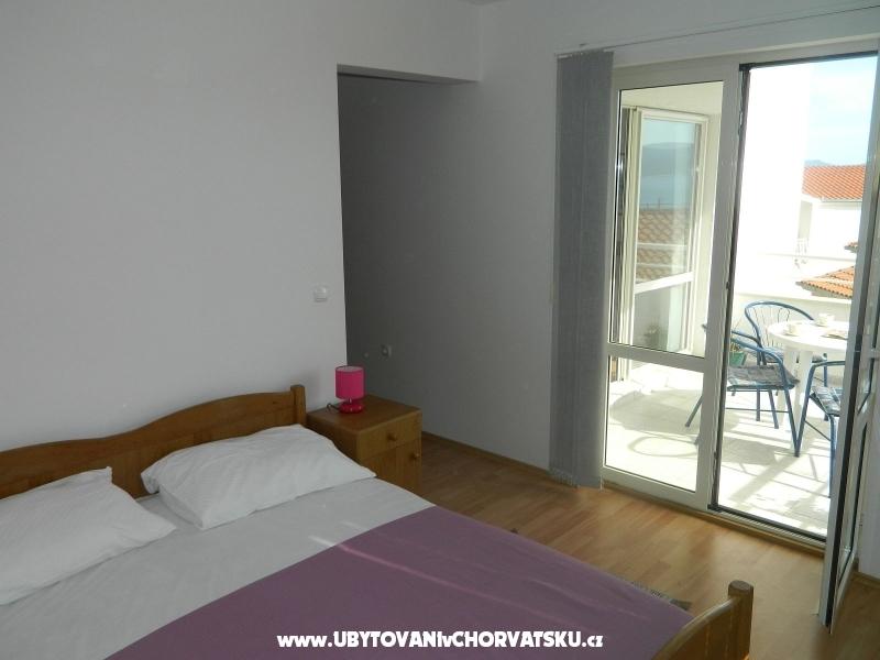 Apartmaji Peric - Omiš Hrvaška