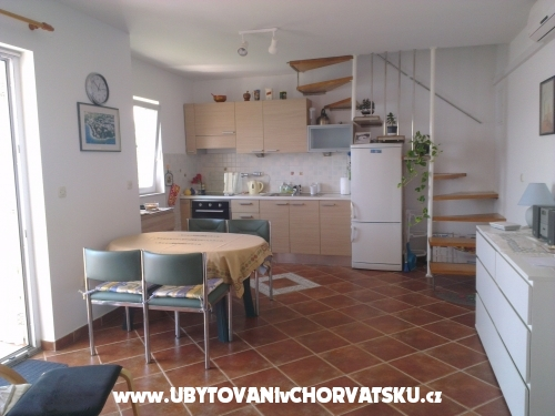 Apartments Pio - Omiš Croatia