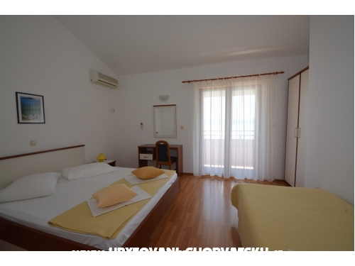 Apartments Vesela - Omi� Croatia
