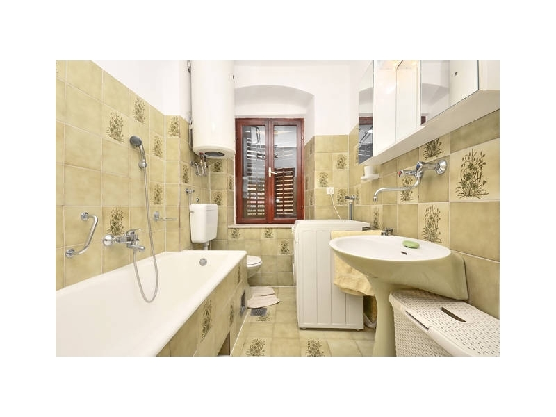 Appartamenti Stari Grad /Omi� center/ - Omi� Croazia