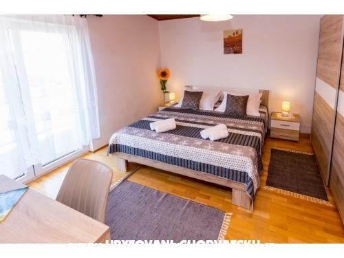 Apartments Miroslav Vojnović - Omiš Croatia