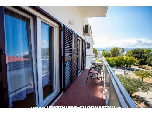 Apartments Miroslav Vojnovi� - Omi� Croatia