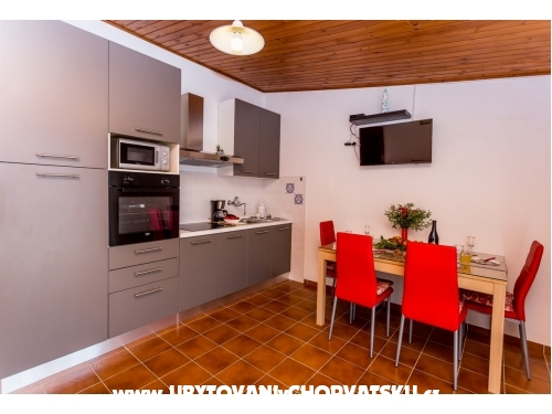 Appartements Miroslav Vojnović - Omiš Croatie