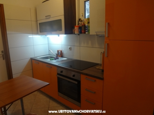 Apartments DU�E Pastar - Omi� Croatia