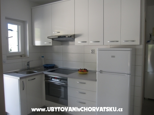 Kuća Kuzmanić - Omiš Hrvatska