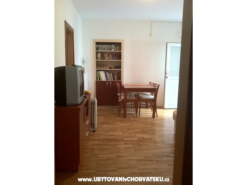 Apartments Omi� Centar - Omi� Croatia