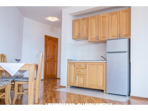 Larus-M apartmani - Omiš Croatie