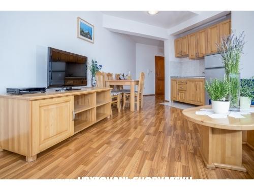 Larus-M apartmani - Omiš Croatia