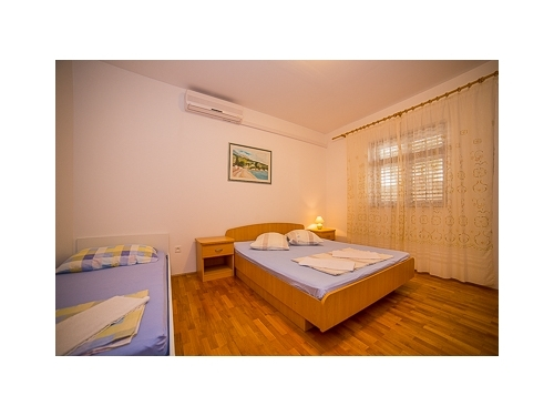 Apartments Zora - Omiš Croatia