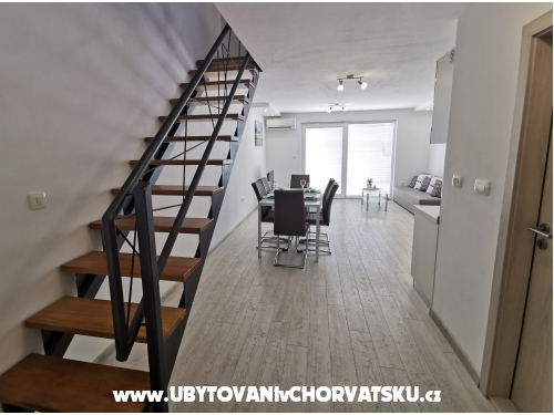 Apartments  RITA - Omiš Croatia