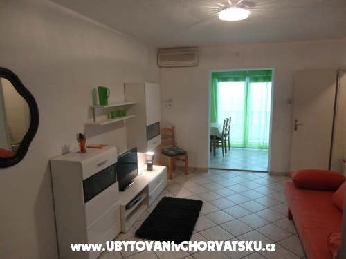 Villa Laura 50 m do mora - Omi� Хорватия