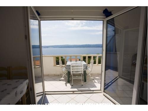 Villa Laura 50 m do mora - Omi� Kroatien