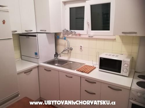 Novi apartmani Petar - Omiš Croatia