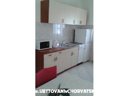 Novi apartmani Josipa - Omi� Croazia