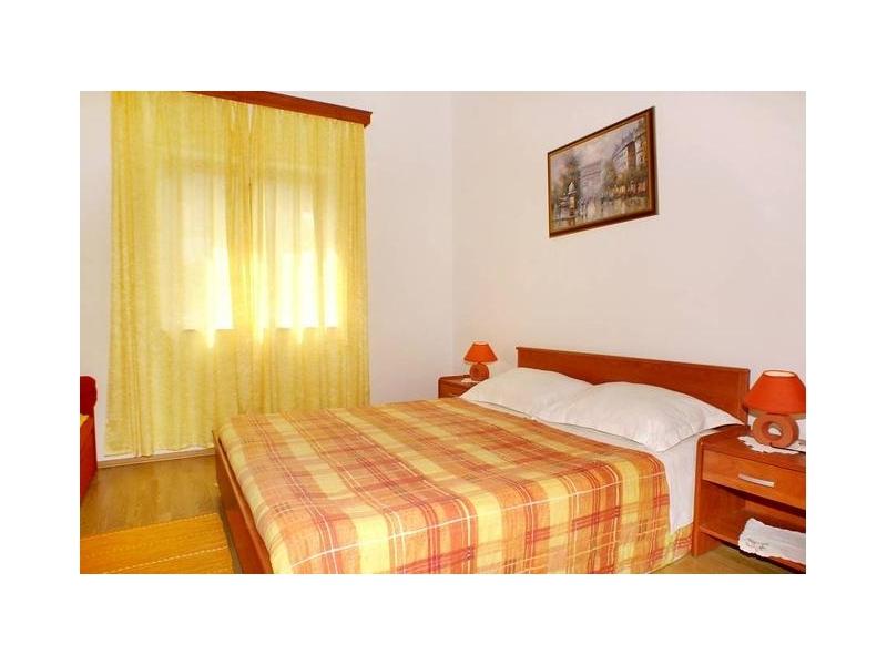 Apartm�ny  Ante - Orebi� � Pelje�ac Chorvatsko