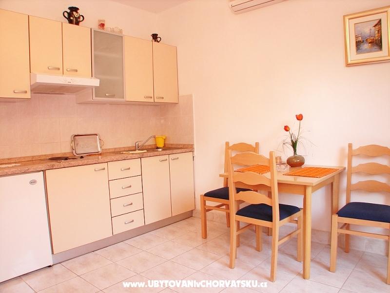 Apartmaji Damira - Orebi� � Pelje�ac Hrva�ka