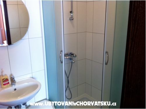 Apartmanok Zona - Orebi� � Pelje�ac Horv�torsz�g