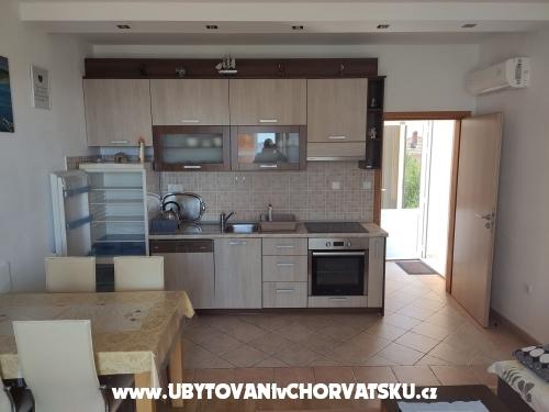 Apartmaji Marijela - Orebi� � Pelje�ac Hrva�ka