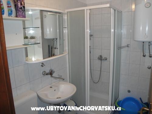 Apartmaji ANA - ostrov Pag Hrvaška