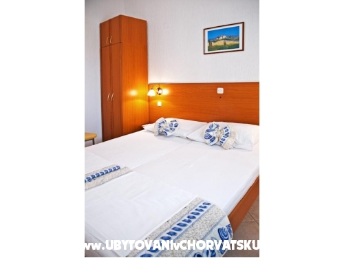 Family Holiday Resort Mandrice - ostrov Pag Chorvatsko