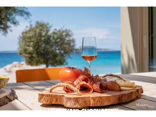 Vile Mandre - ostrov Pag Chorvatsko