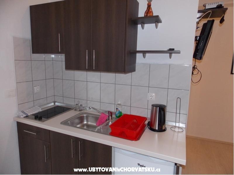 Appartements Antonija - Starigrad Paklenica Croatie