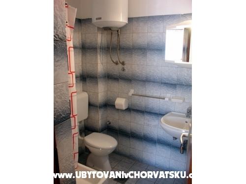 Apartmani Bosi i Goli - Starigrad Paklenica Hrvatska