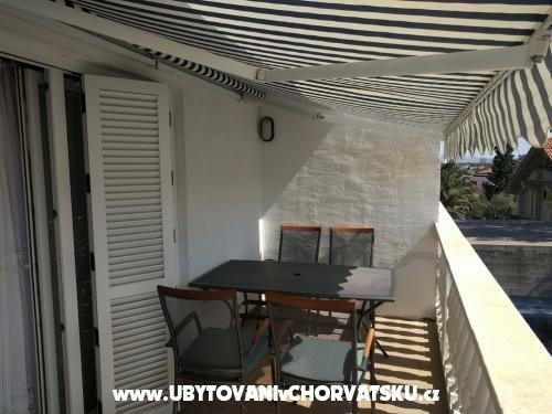Appartements Matak - Starigrad Paklenica Kroatien