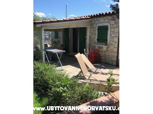 Apartmaji Andrejka - Pakoštane Hrvaška