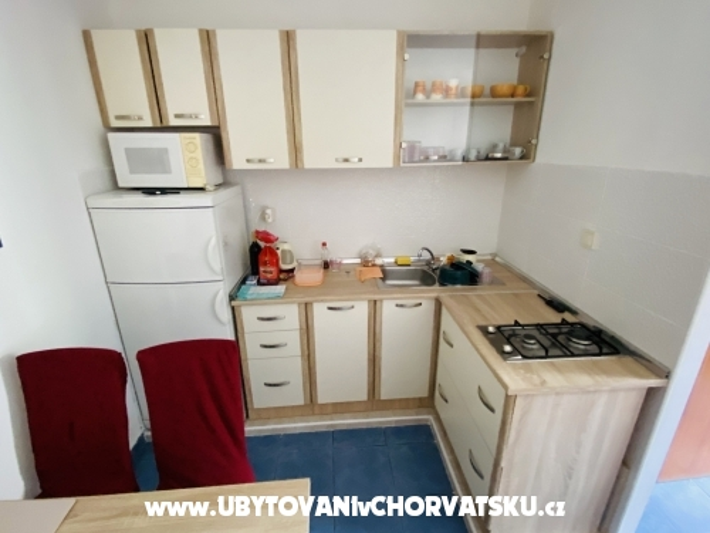 Apartments Anka - Pakoštane Croatia
