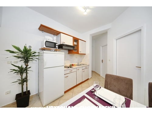 Apartmaji Dalmatino Pako�tane - Pako�tane Hrva�ka