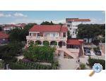 Apartmaji IVANKA - Pakoštane Hrvaška