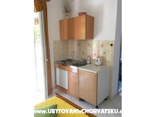 Apartmaji Jasa - Pakoštane Hrvaška