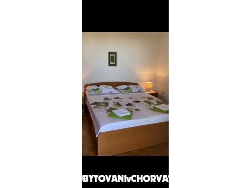 Apartmaji Ksenija - Pakoštane Hrvaška
