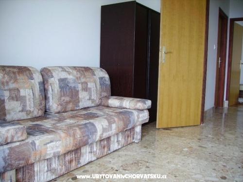 Apartmanok Nakić - Pakoštane Horvátország