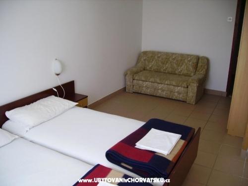 Apartments Nakić - Pakoštane Croatia