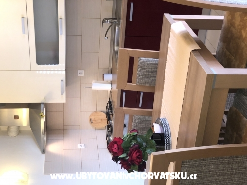 Apartmanok Petra - Pakoštane Horvátország