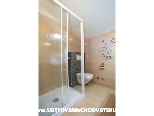 Apartmaji Silvija - Pakoštane Hrvaška