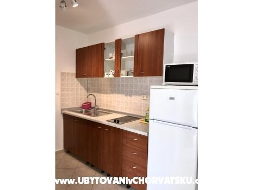 Appartements Tina - Pakoštane Croatie