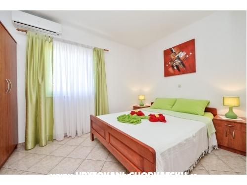 Apartamenty VILLA  ZDENKA - z basenem - Pakoštane Chorwacja