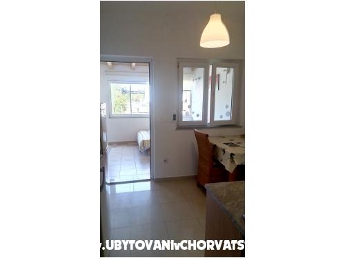 Apartmani Kristina - Pakoštane Hrvatska