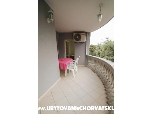Appartements Ivišić - Pakoštane Kroatien