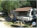 Karavany v autokampe  LU KA - Pakoštane Kroatien
