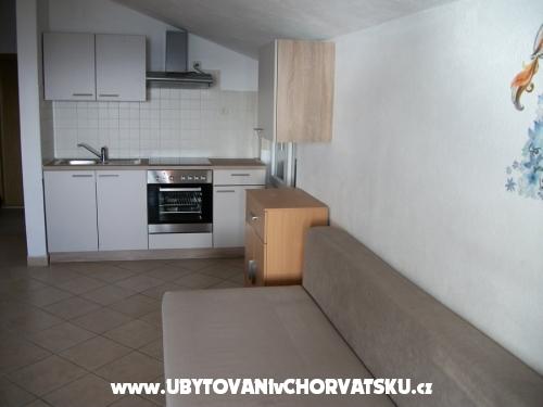 Apartmanok Sinjal - Pakoštane Horvátország