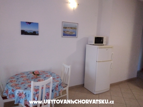 Apartm�ny Sinjal - Pako�tane Chorvatsko